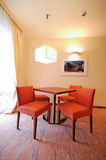 Cadeiras do nad da tabela do hotel Imagem de Stock Royalty Free