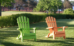 Cadeiras do pátio traseiro Foto de Stock