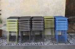 Cadeiras e cores Fotografia de Stock Royalty Free
