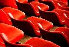 Cadeiras e curvas vermelhas Imagem de Stock