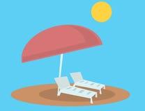 Cadeiras e guarda-chuva de sala de estar da praia Imagem de Stock