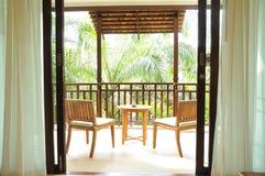Cadeiras e tabela no recurso Imagens de Stock Royalty Free