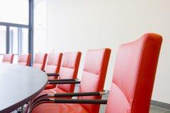 Cadeiras em um quarto de reunião Foto de Stock