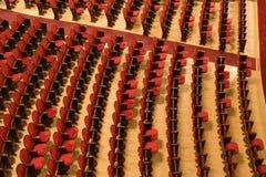 Cadeiras em um teatro Fotos de Stock Royalty Free