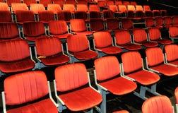 Cadeiras em um teatro Fotografia de Stock Royalty Free