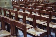 Cadeiras em uma igreja foto de stock royalty free