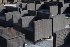 Cadeiras exteriores do rattan imagens de stock royalty free