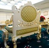 Cadeiras luxuosas no quarto de recepção Imagem de Stock
