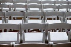 Cadeiras molhadas vazias Foto de Stock Royalty Free