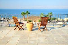 Cadeiras no balcão imagens de stock royalty free