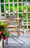 Cadeiras no jardim Imagens de Stock