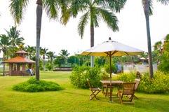 Cadeiras no jardim Foto de Stock Royalty Free
