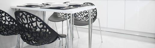 Cadeiras pretas no projeto moderno Fotos de Stock Royalty Free