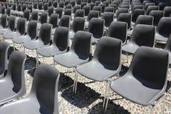 Cadeiras pretas vazias Imagem de Stock