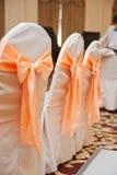 Cadeiras vazias do casamento decoradas elegante Foto de Stock Royalty Free