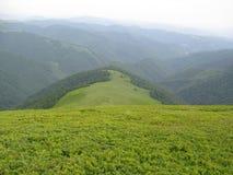 Cadena de montaña cárpata Fotos de archivo