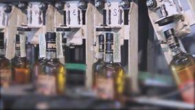 Cadena de producción para la producción y el embotellamiento de bebidas alcohólicas Fábrica para la producción de alcohólico metrajes
