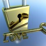 Cadenas avec les valentines Romance et les amants d'apparence principale d'amour Photo libre de droits