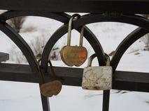 Cadenas d'amour d'hiver à Mourmansk, Russie Images libres de droits