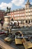 Cadenas d'amour de Madrid Image libre de droits