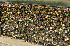 Cadenas d'amour de PARIS Image libre de droits