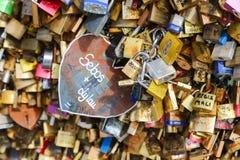 Cadenas d'amour, Paris Photos stock