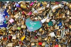 Cadenas d'amour, Paris Photographie stock libre de droits