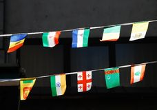 Cadenas de banderas nacionales Imagen de archivo