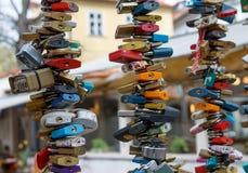 Cadenas et clés sur le pont Images libres de droits