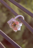 Cadenas mignon de mariage, symbole de l'amour éternel Photo stock