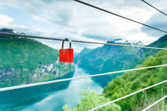 Cadenas rouge et Geirangerfjord de point de vue Norvège de Flydasjuvet Photos libres de droits
