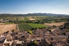 Cadenet村庄在普罗旺斯,法国 免版税库存照片