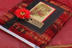 Caderno bonito Caderno em técnicas scrapbooking foto de stock royalty free