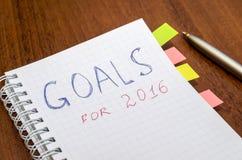Caderno com objetivos do texto do ano 2016 Fotografia de Stock Royalty Free
