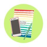 Caderno com telefone e pena Foto de Stock Royalty Free