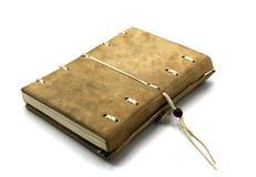 Caderno de couro Handcrafted com um sistema de fechamento do cabo imagens de stock