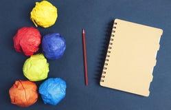 Caderno de papel e ideia fotos de stock
