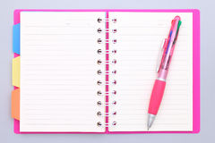 Caderno e ballpoint imagem de stock royalty free