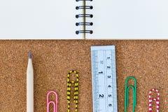 Caderno e estacionário Fotografia de Stock Royalty Free