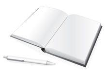 Caderno e pena Imagens de Stock