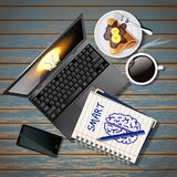 Caderno e portátil com telefone celular e café e crepe Fotos de Stock Royalty Free
