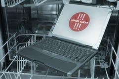 Caderno no alerta do vírus da máquina de lavar louça 3/4- fotos de stock royalty free