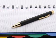 Caderno - organizador com a pena à moda Foto de Stock