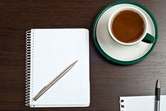 Caderno, pena & café Fotos de Stock