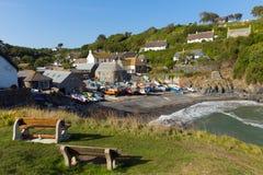 Cadgwith Cornwall England UK ödlahalvö mellan ödlan och Coveracken Arkivbilder