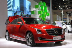 Cadillac ats 28T czerwieni samochód zdjęcia stock