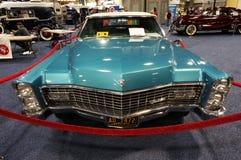 Cadillac blu d'annata Deville Fotografia Stock Libera da Diritti