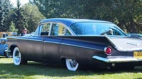 Cadillac clásico restaurado con las aletas Imagenes de archivo