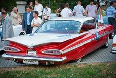 Cadillac clásico rojo Imágenes de archivo libres de regalías