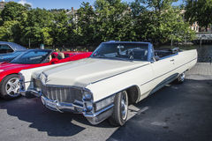 1965 Cadillac 2 Convertibele Deur Royalty-vrije Stock Afbeelding